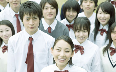 高校生の集合写真